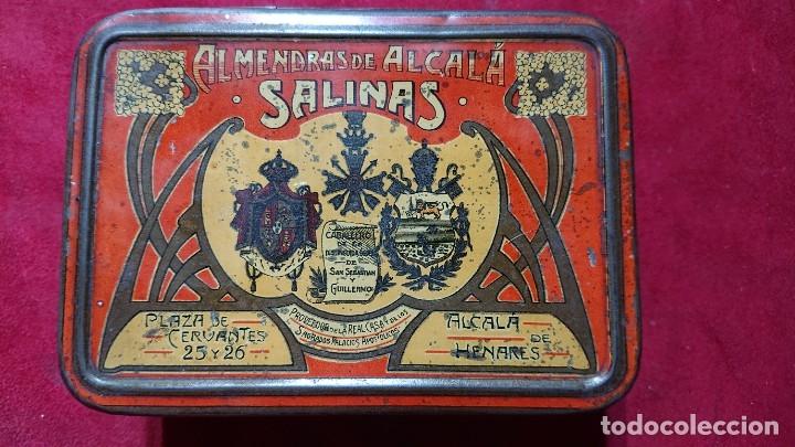 CAJA LITOGRAFIADA ALMENDRAS DE ALCALA DE HENARES SALINAS (Coleccionismo - Cajas y Cajitas Metálicas)