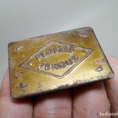 Cajas y cajitas metálicas: PEQUEÑA CAJITA METALICA DE PLOMBS FENDUS- PLOMOS DE PESCA--FRANCIA AÑOS 40. Lote 177308872