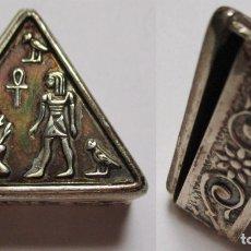 Cajas y cajitas metálicas: PASTILLERO DE PLATA - TRIANGULAR - Nº 01 - PATINA. Lote 178107759