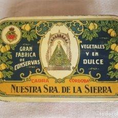 Cajas y cajitas metálicas: RARÍSIMA CAJA DE HOJALATA LA GRAN FÁBRICA DE CONSERVAS NUESTRA SRA DE LA SIERRA, CABRA (CÓRDOBA). T3. Lote 178353905