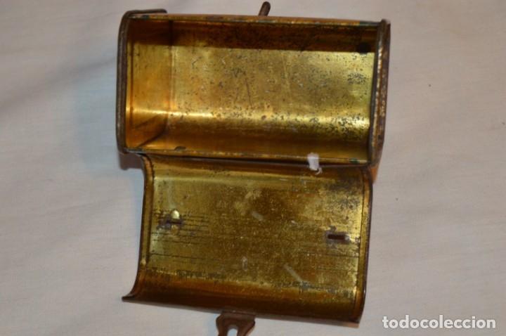 Cajas y cajitas metálicas: ANTIGUO CABAS DE HOJALATA LITOGRAFIADA - G. DE ANDREIS BADALONA - VINTAGE - ¡HAZ OFERTA! - Foto 10 - 178604207
