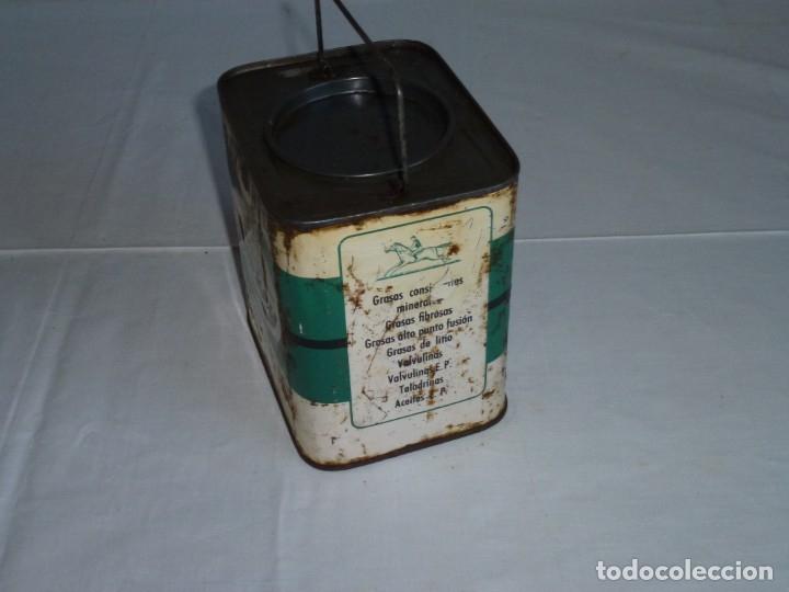 Cajas y cajitas metálicas: Antigua lata de Lubricantes Jockey. - Foto 5 - 178672186