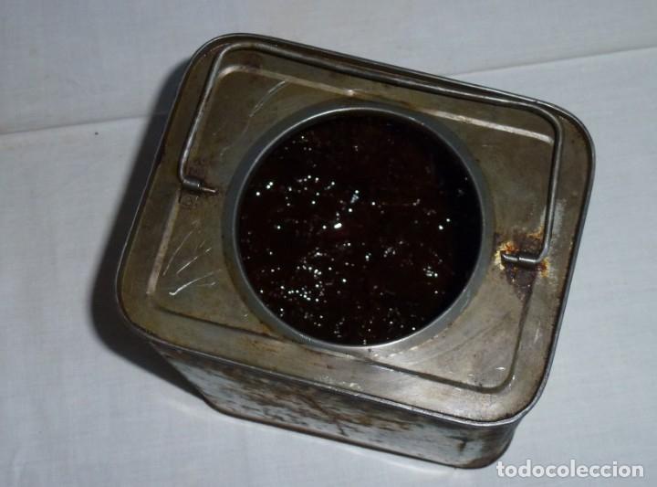 Cajas y cajitas metálicas: Antigua lata de Lubricantes Jockey. - Foto 7 - 178672186