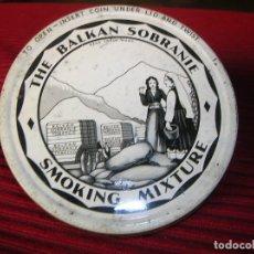 Cajas y cajitas metálicas: ANTIGUA LATA.THE BALKAN SOBRANIE,SMOKING MIXTURE. Lote 178785603