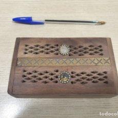 Cajas y cajitas metálicas: CAJITA DE MADERA FABRICADA EN INDIA. Lote 179169523