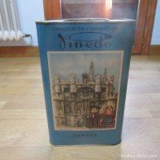 Cajas y cajitas metálicas: LATA PUBLICITARIA CHOCOLATES PINEDO BURGOS. Lote 179191732