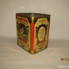 Cajas y cajitas metálicas: ANTIGUA LATA EN HOJALATA LITOGRAFIADA DE PIMENTÓN EL PELICANO DE MOLINA DE SEGURA - AÑO 1920-30S.. Lote 179324461