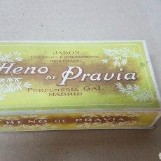 Cajas y cajitas metálicas: ANTIGUA CAJA JABÓN HENO DE PRAVIA. Lote 179520702