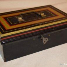 Cajas y cajitas metálicas: CHAD VALLEY 10017 / ANTIGUA CAJA DE CAUDALES / HUCHA - DE HOJALATA - MUY ANTIGUA - ¡ADMITO OFERTAS!I. Lote 179544301