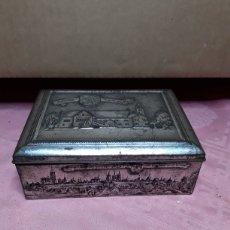 Cajas y cajitas metálicas: CAJA DE CHAPA CON RELIEVES. Lote 181504232