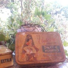 Cajas y cajitas metálicas: ANTIGUA CAJA DE MEMBRILLO LA ANDALUZA. Lote 181520996