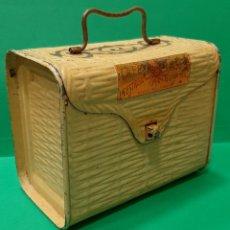 Cajas y cajitas metálicas: CAFE TORREFACTO LA ESTRELLA, ANTIGUA CAJA-CABÁS DE HOJALATA.. Lote 181983100