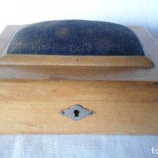 Cajas y cajitas metálicas: ANTIGUA CAJA COSTURERO. Lote 182121141