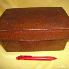 Cajas y cajitas metálicas: CAJA MADERA FORRADA PIEL, AÑOS 90, NUEVA SIN USAR.. Lote 183925335