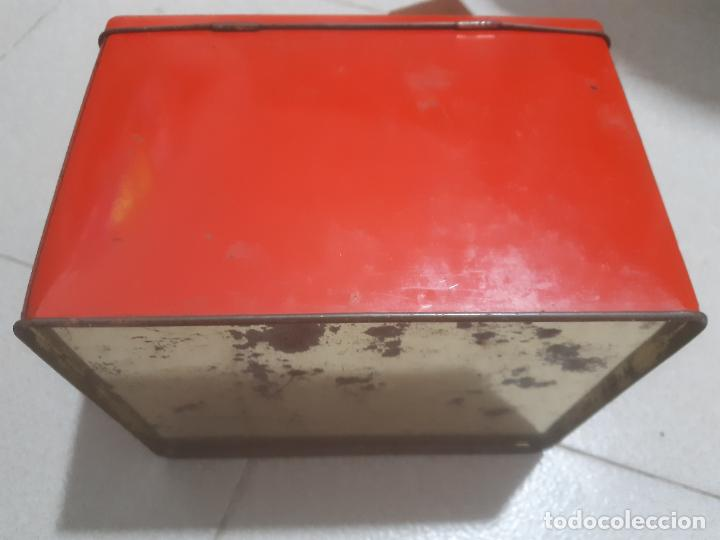 Cajas y cajitas metálicas: CAJA DE LATA ROJA LISA 20 x 16 x 13 CMS. - Foto 3 - 184137735