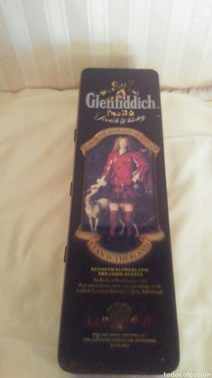 Cajas y cajitas metálicas: Caja de hojalata Whisky Glenfiddich,mide32x9x9,es de los años 70 - Foto 6 - 184535421