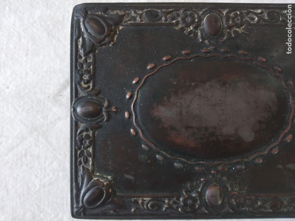 Cajas y cajitas metálicas: CAJA CHAPA - HOJALATA EN RELIEVE - REPUJADA - AÑOS 20/30 - Foto 7 - 187094033