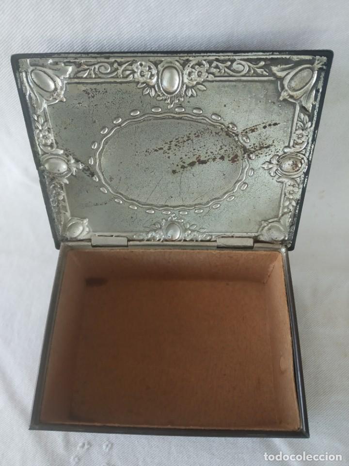 Cajas y cajitas metálicas: CAJA CHAPA - HOJALATA EN RELIEVE - REPUJADA - AÑOS 20/30 - Foto 9 - 187094033