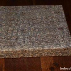 Cajas y cajitas metálicas: ANTIGUA CAJA DE CUBIERTOS. 24 X 24 X 3,5 CM. VER FOTOS Y DESCRIPCION.. Lote 190922350