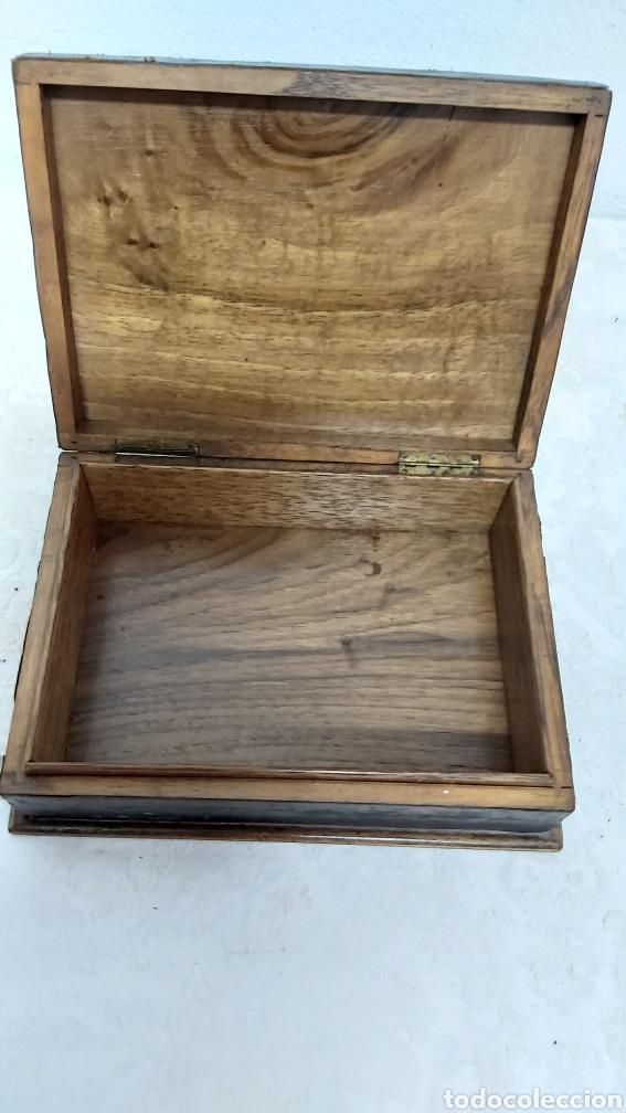 Cajas y cajitas metálicas: CAJA MADERA Y PIEL REPUJADA PP. S.XX FAYANS CATALAN BARCELONA - Foto 5 - 192748623