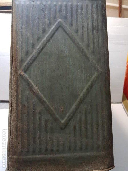 Cajas y cajitas metálicas: Lata Hojalata Grande de Confeteria con grabados - Foto 2 - 193276910