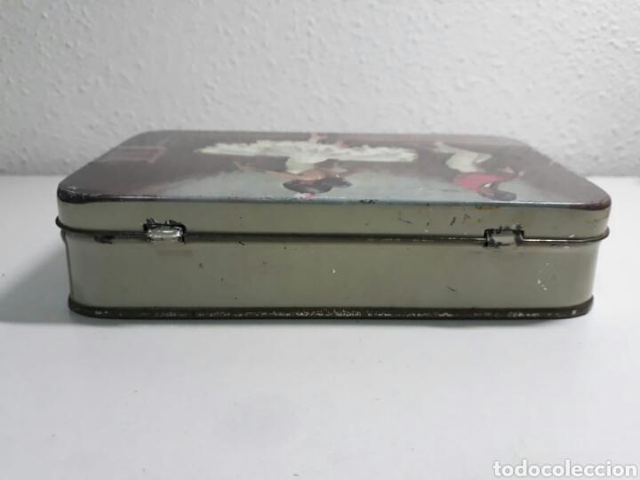 Cajas y cajitas metálicas: Caja de hojalata antigua litografiada pastcafe logroño ,litografia flamenca - Foto 8 - 194223996
