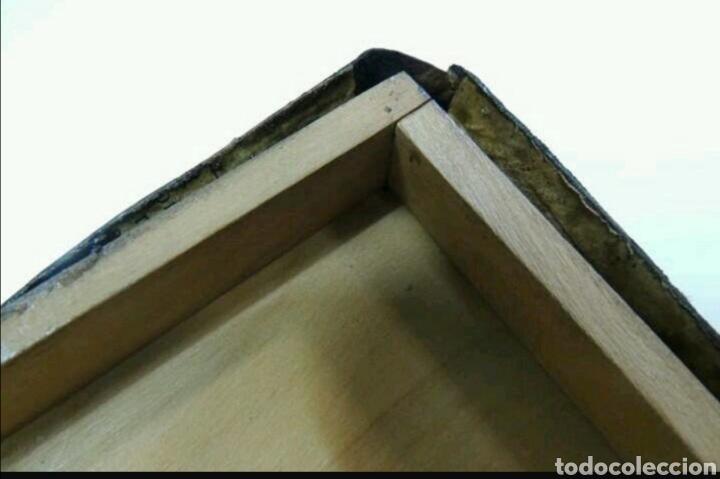 Cajas y cajitas metálicas: Caja de madera y cuero repujado - Foto 4 - 194293831