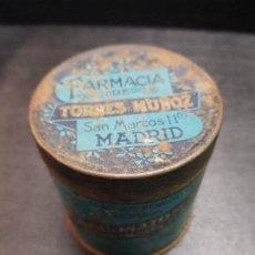 Cajas y cajitas metálicas: ANTIGUA CAJA LATA FARMACIA BICARBONATO GOTA TORRES MUÑOZ MADRID. Lote 194309710