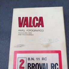 Cajas y cajitas metálicas: CAJA DE PAPEL FOTOGRÁFICO MARCA VALCA. VACIA. Lote 194321150