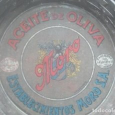Cajas y cajitas metálicas: ACEITE DE OLIVA MORO - MÁLAGA Y BARCELONA - BONITO Y RARO RECLAMO PUBLICITARIO - CHAPA, PPIOS. S. XX. Lote 194566020