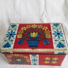 Cajas y cajitas metálicas: CAJA DE HOJALATA COLACAO 1972. Lote 194691460
