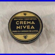 Cajas y cajitas metálicas: CAJA BOTE DE CREMA NIVEA ENVASE DE MUESTRA AÑOS 50. Lote 194748490