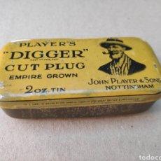 Cajas y cajitas metálicas: CAJITA TABACO PLAYER'S DIGGER CUT PLUG TIN NOTTINGHAM. Lote 194768791