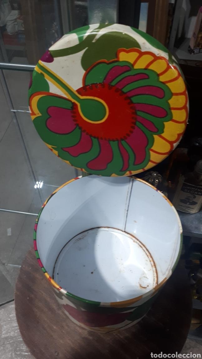 Cajas y cajitas metálicas: Antiguo bote redondo cilíndrico COLACAO - Foto 3 - 194875957