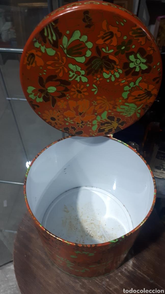 Cajas y cajitas metálicas: Antiguo bote redondo cilíndrico COLACAO - Foto 3 - 194876096