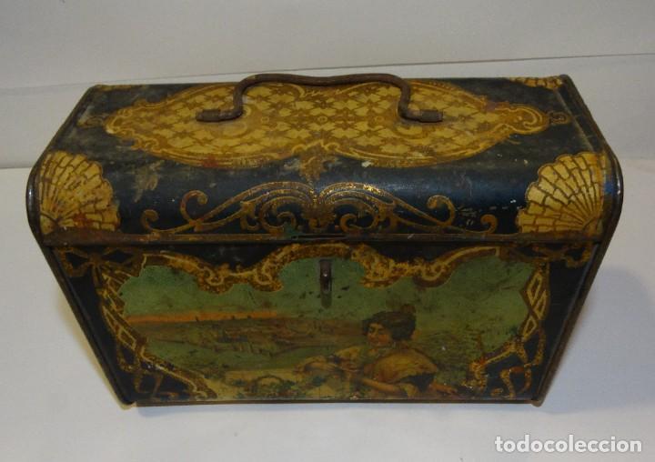 Cajas y cajitas metálicas: ANTIGUO CABAS DE HOJALATA LITOGRAFIADA G. DE ANDREIS DE BADALONA CON PUBLICIDAD. FINALES DEL XIX, - Foto 3 - 194881802
