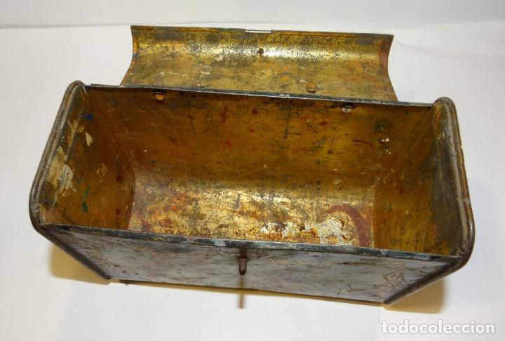 Cajas y cajitas metálicas: ANTIGUO CABAS DE HOJALATA LITOGRAFIADA G. DE ANDREIS DE BADALONA CON PUBLICIDAD. FINALES DEL XIX, - Foto 8 - 194881802