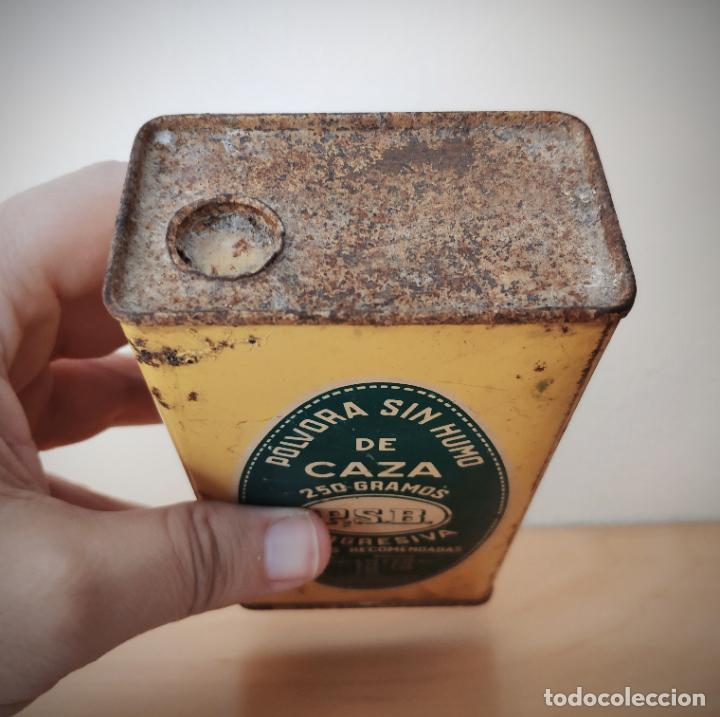 Cajas y cajitas metálicas: CAJA LATA POLVORA P. S. B. 250 GR. - UNION ESPAÑOLA DE EXPLOSIVOS LUGONES Y CAYES - ASTURIAS - Foto 3 - 194881936