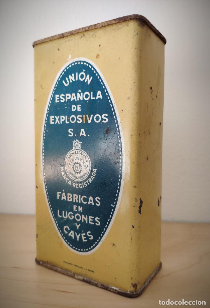 CAJA LATA POLVORA P. S. B. 250 GR. - UNION ESPAÑOLA DE EXPLOSIVOS LUGONES Y CAYES - ASTURIAS (Coleccionismo - Cajas y Cajitas Metálicas)