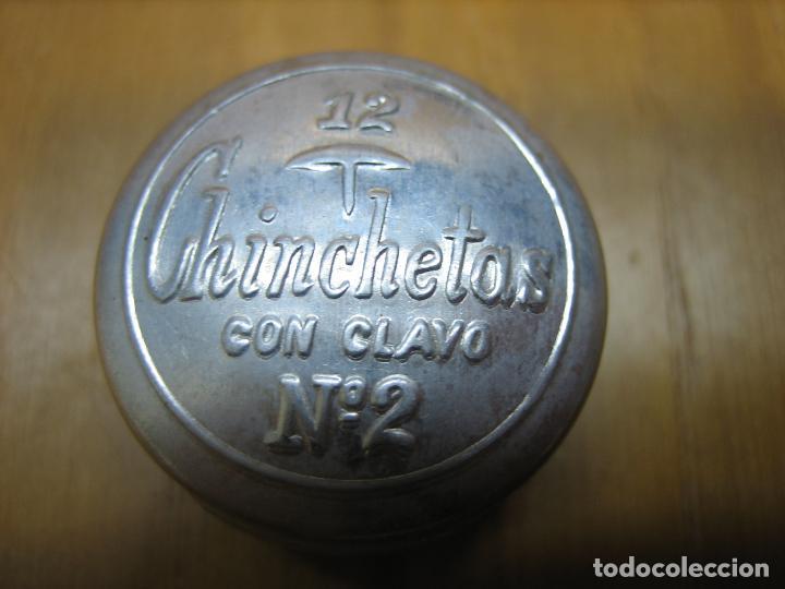 ANTIGUA CAJITA DE CHINCHETAS. VACIA (Coleccionismo - Cajas y Cajitas Metálicas)