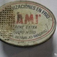 Cajas y cajitas metálicas: CAJA LATA PARCHES SAMI AÑOS 50. Lote 194953116