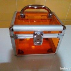 Cajas y cajitas metálicas: BONITA CAJA MALETIN. Lote 195006757