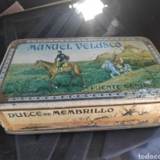 Cajas y cajitas metálicas: CAJA ANTIGUA DULCE MEMBRILLO MANUEL VELASCO. Lote 195129588