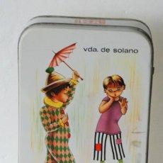 Cajas y cajitas metálicas: ANTIGUA CAJA DE LATA DE VDA DE SOLANO LOGROÑO - SURTIDO NATA - MOKA -NIÑOS PAYASO. Lote 195148802