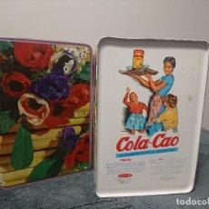 Cajas y cajitas metálicas: CAJA AÑOS 70 COLA CAO FLORES. Lote 195184706