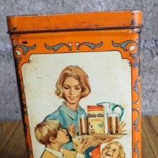 Cajas y cajitas metálicas: CAJA DE COLA CAO - APERITIVOS - PROPAGANDA EN LATERAL SALEN POCAS - LA DE LA FOTO . Lote 195330322