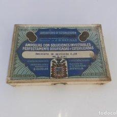 Cajas y cajitas metálicas: CAJA DE FARMACIA BENZOATO DE MERCURIO LAB. ESCOLAR DE SEVILLA // CON CONTENIDO. Lote 195438097