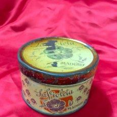 Boîtes et petites boîtes métalliques: ANTIGUA CAJA DE LATA LA VIOLETA, MADRID. Lote 195771715