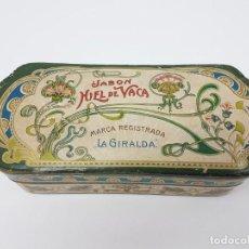 Cajas y cajitas metálicas: ANTIGUA CAJA DE CARTON LA GIRALDA ( JABÓN HIEL DE VACA ) AÑOS 20. Lote 195887321