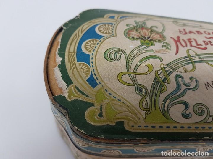 Cajas y cajitas metálicas: ANTIGUA CAJA DE CARTON LA GIRALDA ( JABÓN HIEL DE VACA ) AÑOS 20 - Foto 2 - 195887321